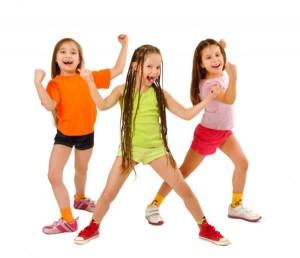 rastyazhka-nog-v-detskoj-gimnastike